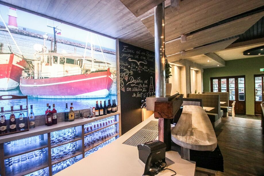 Fish and Seafood: Restaurant am Strom in Warnemuende